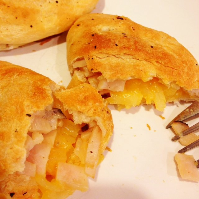 Cheesy Hashbrown Breakfast Pockets